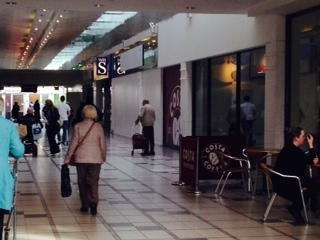 51 South Mall, East Kilbride Shopping Centre - Picture 1