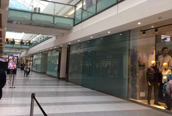 LR17 Centre West, East Kilbride Shopping Centre, East Kilbride - Picture 2021-08-05-10-39-03
