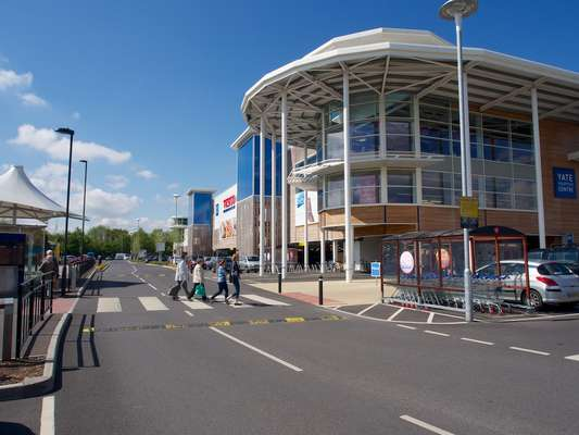 Yate Shopping Centre - Picture 6