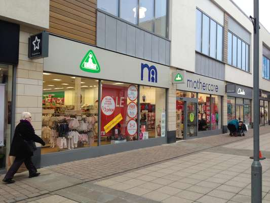 13-15 Willow Place, Willow Place & Corby Town Shopping - Photo