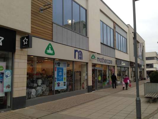 13-15 Willow Place, Willow Place & Corby Town Shopping, Corby - Picture 2019-04-30-12-58-17