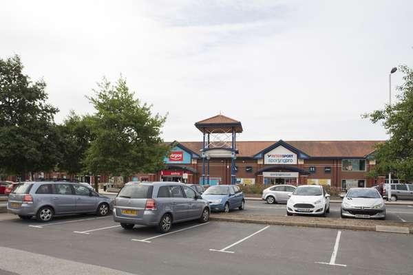 Colton Retail Park - Picture 3