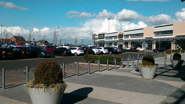 Unit 7, Warwickshire Shopping Park, Coventry - Picture 2017-02-03-15-48-57