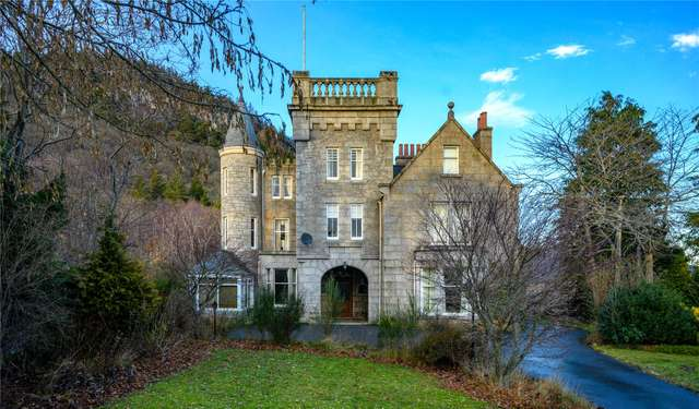 Craigendarroch House