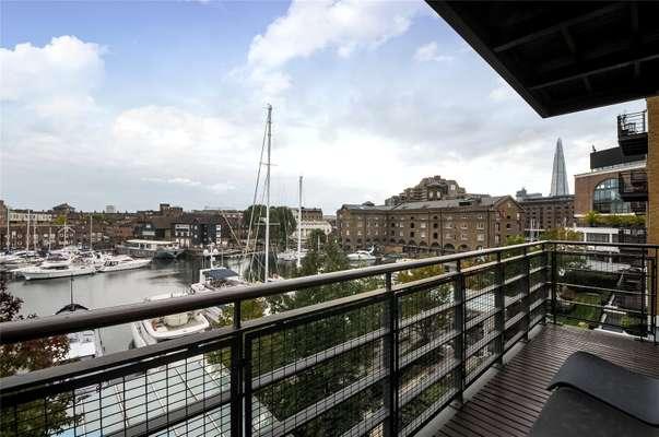 Balcony, Wapping