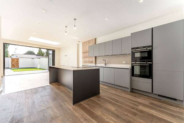 Example Kitchen 99
