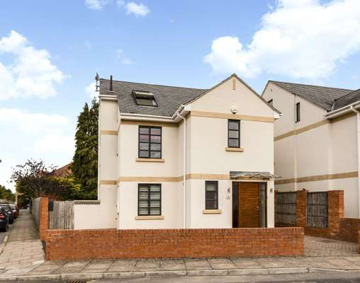 1 Kestrel Close