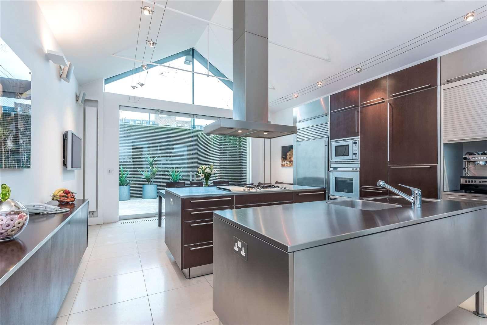 Savills | Duncan Terrace, Islington, London, N1 8AL | Property for sale