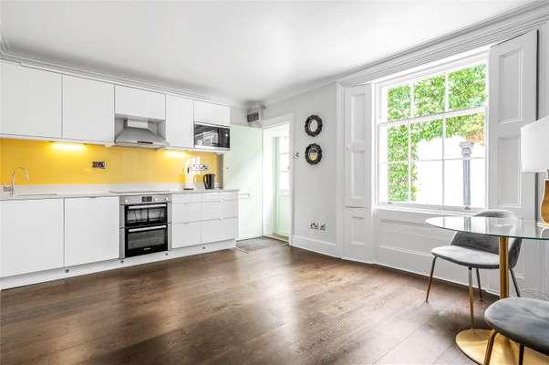 Recepiton/Kitchen