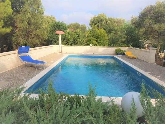 Pool 15 m x 5 m