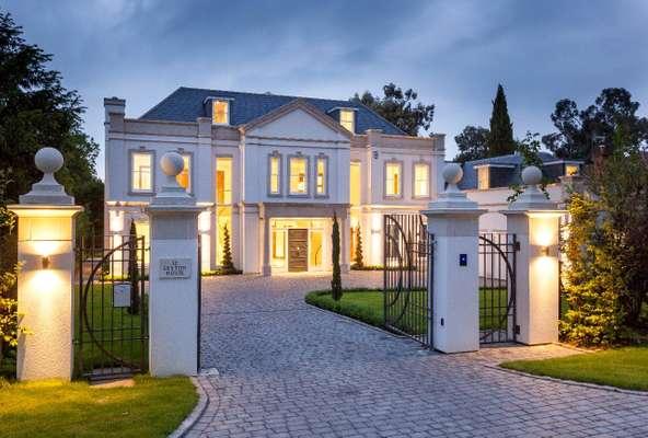 Leyon House