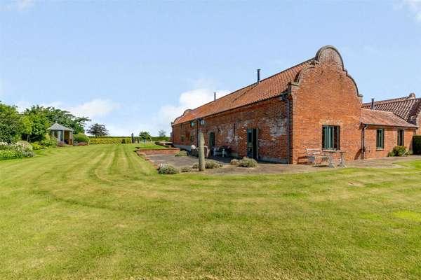 1 Park Farm Barns