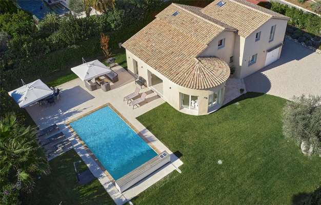 Villa To Let