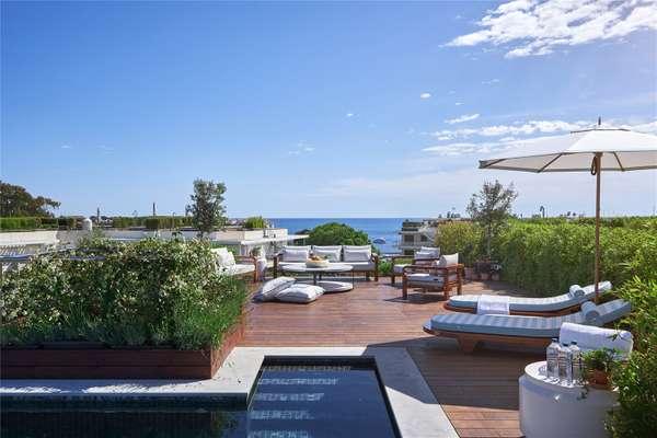 Penthouse Sea Views