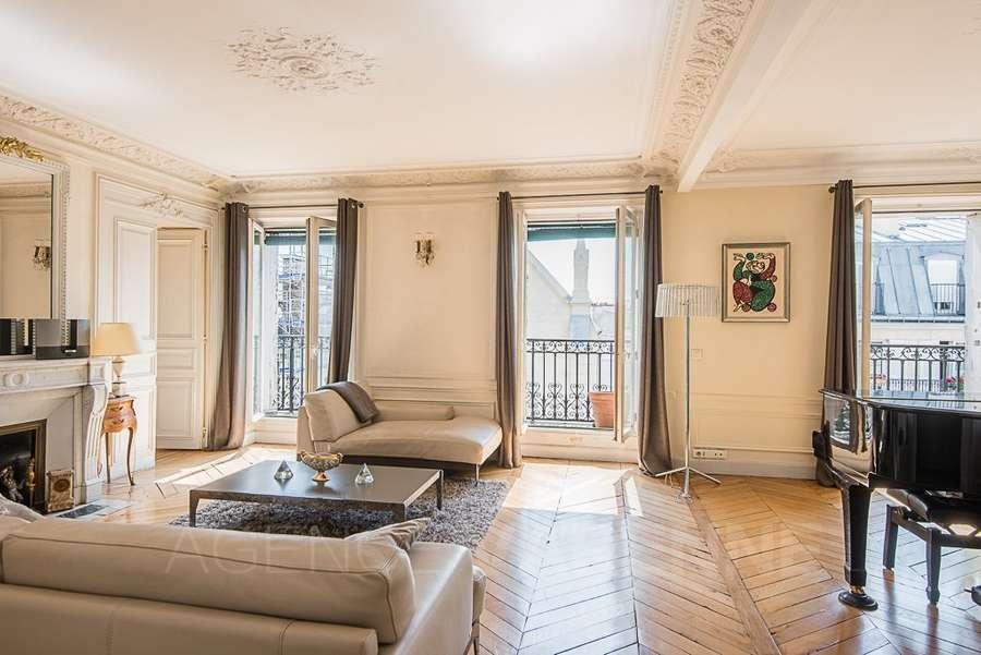 Savills | Bien immobilier à vendre à Paris, France