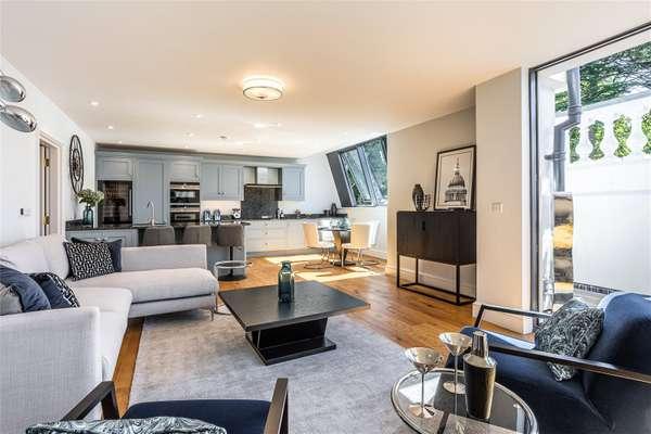 Plot 14 Living Area