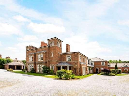 5 Chestnut Grange
