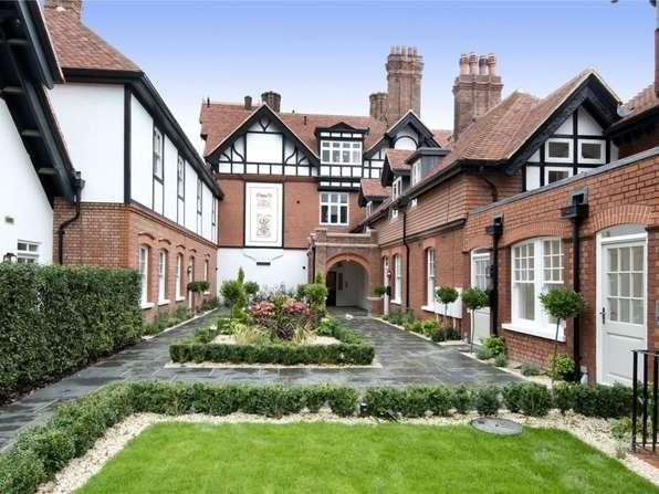 savills ivy cottage wadhurst place mayfield lane. Black Bedroom Furniture Sets. Home Design Ideas