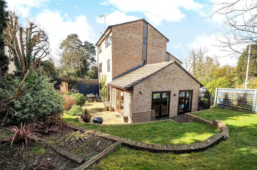 savills howard gardens tunbridge wells kent tn2 5sl. Black Bedroom Furniture Sets. Home Design Ideas