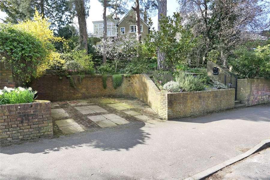 savills 4 warwick park tunbridge wells kent tn2 5tb. Black Bedroom Furniture Sets. Home Design Ideas