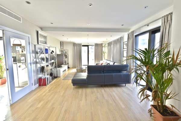 Duplex Penthouse in Quay 29