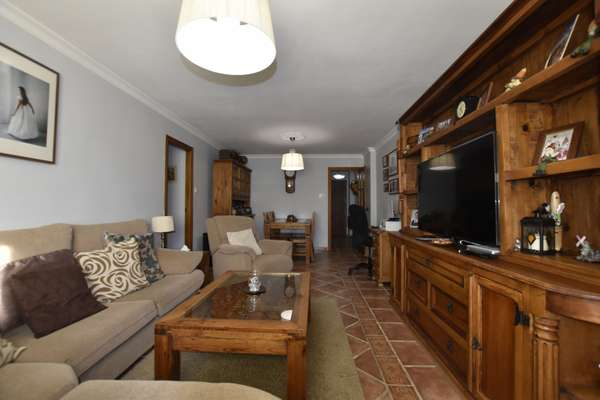 Apartment in Montagu Gardens